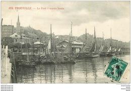 14 TROUVILLE. Le Port à Marée Haute 1910 - Trouville