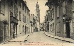 Bagnères De Bigorre La Rue De L'Horloge  Labouche  RV - Bagneres De Bigorre