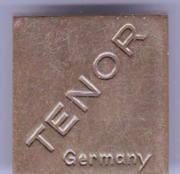 """2 Anciens """"TAILLE CRAYON"""" Metalliques - TENOR Germany - SRAEDTLER LUNA. N°8336, BAVARIA - Other Collections"""