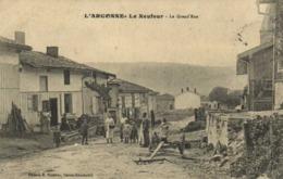 L'ARGONNE  Le Neufour La Grand' Rue Engin Agricole Personnages RV TP13 - Other Municipalities