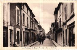 FONTENAY LE COMTE -85- LA RUE DES LOGES - Fontenay Le Comte