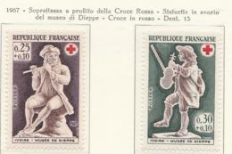 PIA  - FRANCIA  -  1967  : A Profitto Della Croce Rossa -  Statuette D'avorio Del Museo Di Dieppe   - (Yv  1540-41) - First Aid