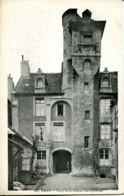 N°77248 -cpa Caen -cour De La Maison Des Quatrans- - Caen