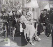 MISTINGUETT Dans Loge Aux Folies Bergère + Belle Soeur Mme Bourgeois + W. Tell. Plaque Verre, Négatif. Lire Descriptif - Glasdias