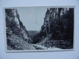 39 Défilé D'ENTREPORTE Près De NOZEROY Jura Débardage Tronc Grume De Bois Sur Charriot - Autres Communes
