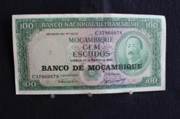 68 / Mozambique - Banco De Mozambique, 100 Escudos / Banco Nacional Ultramarino  -1961 /  N°  C 37960878 - Mozambique