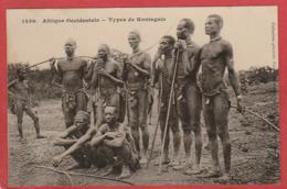 CPA: Nus - Afrique Occidentale - Types De Koniaguis - Hommes Nus, Etuis Pénien - Männer < 1945