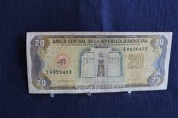 71 /  Dominicaine - Banco Central De La Republica Dominicana - Veinte  Pesos Oro 20 - Serie 1990 /  N° E 882045 V - Dominicaine