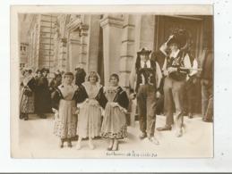 PLUMELIAU (MORBIHAN)  PHOTO ANCIENNE AVEC PERSONNES EN COSTUMES LOCAUX (PHOTO ROL PARIS) - Plaatsen