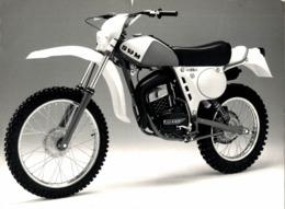 SWM +-21cm X 14cm  Moto MOTOCROSS MOTORCYCLE Douglas J Jackson Archive Of Motorcycles - Fotos