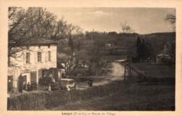 9358 -2019   LEOJAC   ENTREE DU VILLAGE - Autres Communes