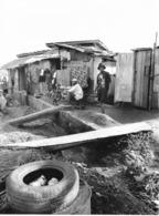 Photo Cameroun. Yaounde Quartier De Tsinga, Bidonville Photo Vivant Univers 2000 - Afrique