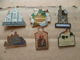 LOT DE 6  PIN' S   EGLISE - Badges