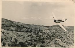 Snapshot Guerre D'Algérie Avion En Rase Campagne War Algerian Militaria Aviation - Guerre, Militaire
