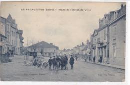 Loire - La Pacaudière - Place De L'Hôtel-de-Ville - La Pacaudiere