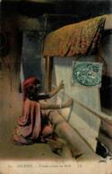 Algérie - Femme Tissant Un Haïk - Women
