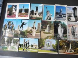 LOT  DE  140    CARTES  POSTALES   STATUES   DANS  LA  VILLE - 100 - 499 Cartes