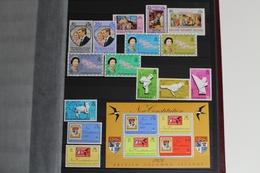Ozeanien, überwiegend Postfrische Restsammlung, Album 1 - Briefmarken