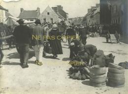 HUELGOAT Le Marché 1911 Finistère 29 Bretagne Bretons GRANDE PHOTO - Lieux