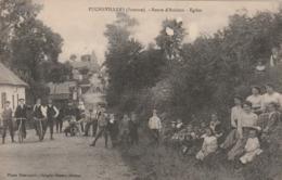 CPA:PUCHEVILLERS  (80) GROUPE DE PERSONNES ÉGLISE ROUTE D'AMIENS.ÉCRITE - Autres Communes