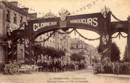 67 - STRASBOURG - Défilé Des Troupes Sous L'Arc De Triomphe - - Straatsburg