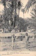 A-19-5337 : SCENES ET TYPES. BORD DE L'OUED - Afrique Du Nord (Maghreb)