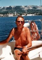 Grande Photo Couleur Originale Gay & Playboy - Portrait De L'Homme Barreur De Bateau En Turquie En 1986 - Personnes Anonymes