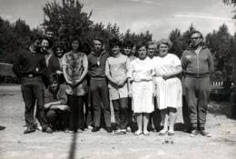 Grande Photo Originale Les Bons Travailleurs De L'Usine Pour La Photo Groupe En Allemagne De L'Est - DDR Party 1970's - Métiers