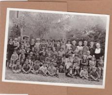 Ancienne Photo De Classe, école Saint-Joseph, Saint-Amand-Montrond,18, Classe De Onzième Et Enfantine, Vergne, Bourges - Personnes Anonymes