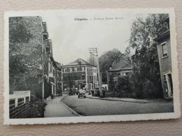 Ottignies Avenue Reine Astrid Avec Ancienne Voiture - Ottignies-Louvain-la-Neuve