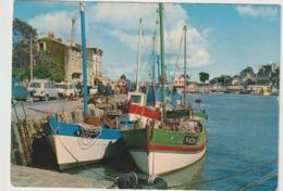Loire  Atlantique :  PORNIC :  Chalutiers  à  Quai  1969 (  Voitures , Ds Citroën, 4 L Renault,.... - Pornic