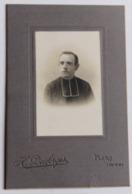 Photographie Originale Portrait D'un Curé Religieux Photographe H. Desforges Flers Orne 61 - Personnes Anonymes