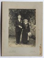 Grande Photographie Originale Portrait De Mariés Noce Costume Coiffe Photographe Joseph Piot Billé 35 - Personnes Anonymes
