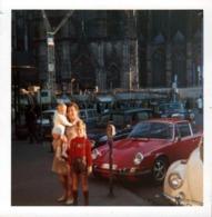 Photo Carrée Coul. Origi. B.B. Alignement De Renault 4L, Porsche 911 Targa, Volkswagen Kafer, Mercedes & Parcmètre 1969 - Automobiles