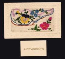 CARTE BRODEE Avec Pochette Qui Se Soulève Pour Petite Carte D'anniversaire - Embroidered