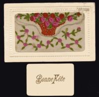 CARTE BRODEE Avec Pochette Qui Se Soulève Pour Petite Carte Bonne Fête - Embroidered