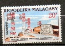 MADAGASCAR  Faisceau Herzien 1963 N°372 - Madagaskar (1960-...)