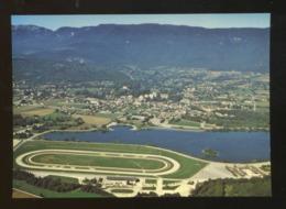 Divonne Les Bains (01) : L'Hippodrome, Le Lac, La Ville Et Les Monts Jura - Divonne Les Bains