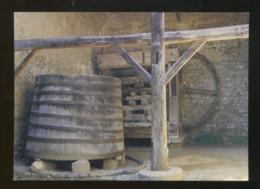"""Pérouges (01) : Pressoir à """"Ecureuils"""" - Pérouges"""