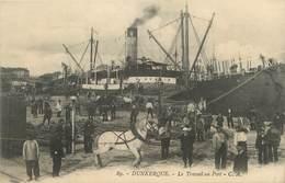 "/ CPA FRANCE 59 ""Dunkerque, Le Travail Au Port"" / CHEVAL - Dunkerque"