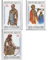 Ref. 615884 * MNH * - RWANDA. 1970. AFRICAN COSTUMES . TRAJES AFRICANOS - 1970-79: Nuovi