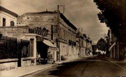 33-ST-MEDARD DE GUIZIERES...HOTEL DE FRANCE RUE DE LA REPUBLIQUE...CPSM PETIT FORMAT - France