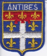 ECUSSON - TISSU BRODE  - ANTIBES - Dimension: 5CMS X 6CMS - Patches