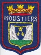 ECUSSON - TISSU BRODE  - MOUSTIERS - Dimension: 5CMS X 6CMS - Patches