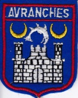 ECUSSON - TISSU BRODE  - AVRANCHES - Dimension: 5CMS X 6CMS - Patches