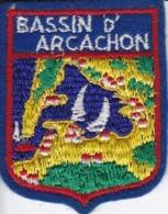 ECUSSON - TISSU BRODE  - BASSIN D'ARCACHON - Dimension: 5CMS X 6CMS - Patches