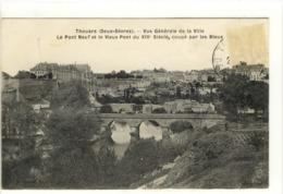 Carte Postale Ancienne Thouars - Vue Générale De La Ville. Le Pont Neuf Et Le Vieux Pont - Thouars