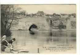 Carte Postale Ancienne Thouars - Pont Du XIIIe Siècle - Métiers, Laveuses, Lavandières - Thouars