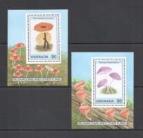 U644 GRENADA FLORA NATURE MUSHROOMS & OTHER FUNGI 2BL MNH - Champignons