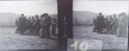 GORNESTI, Mures, Transylvania :  Le Pope, Mendiants ?  Vers 1900. Plaque Verre Stéréoscopique, Négatif. Transylvanie - Plaques De Verre